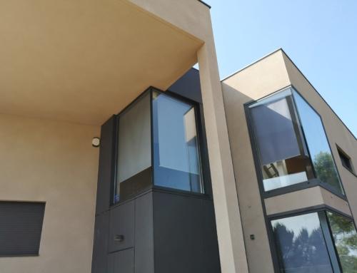 Rehabilitación de fachadas de vivienda unifamiliar con Corcho Proyectado